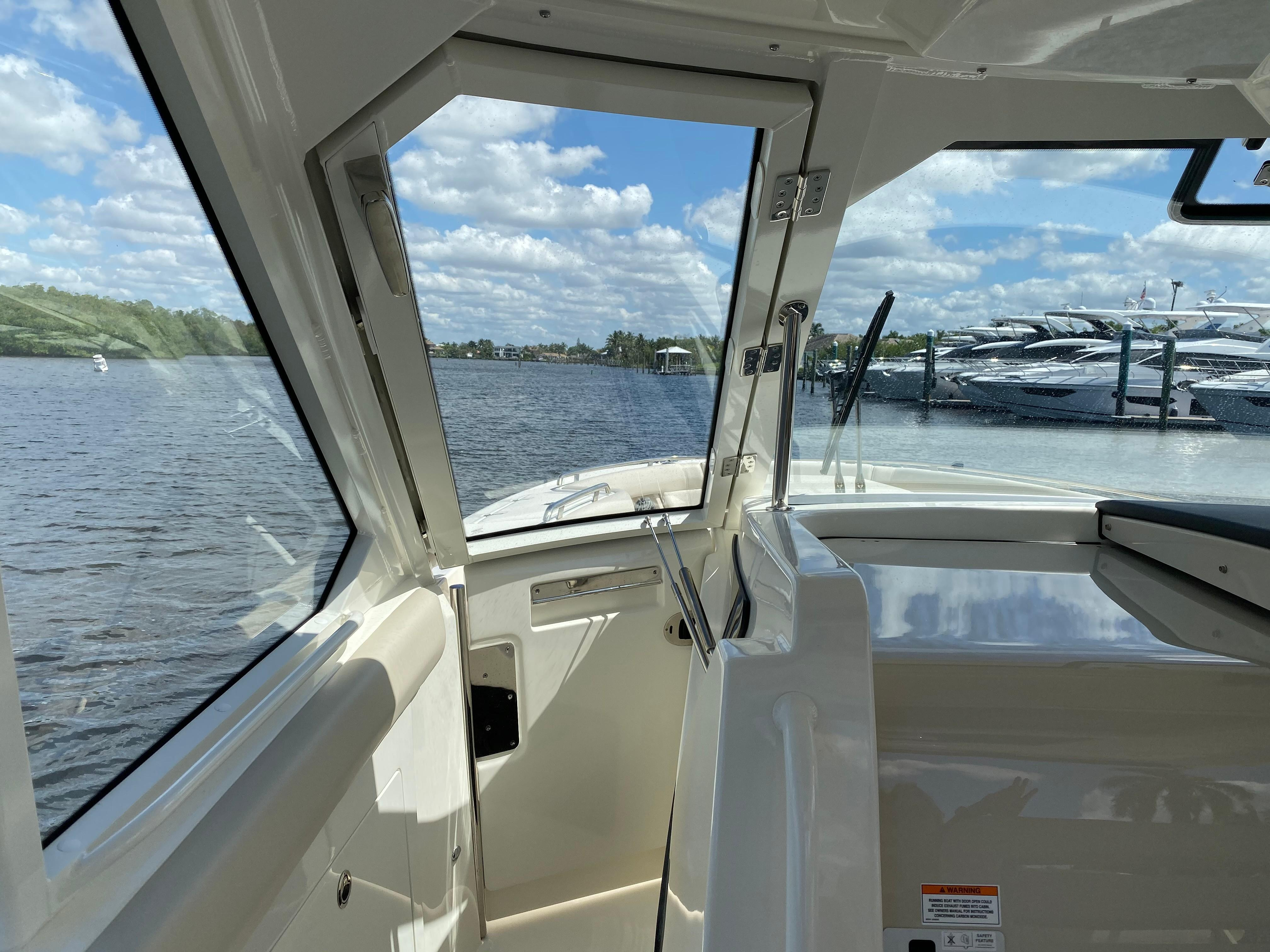 2020 Boston Whaler                                                              380 Realm Image Thumbnail #14