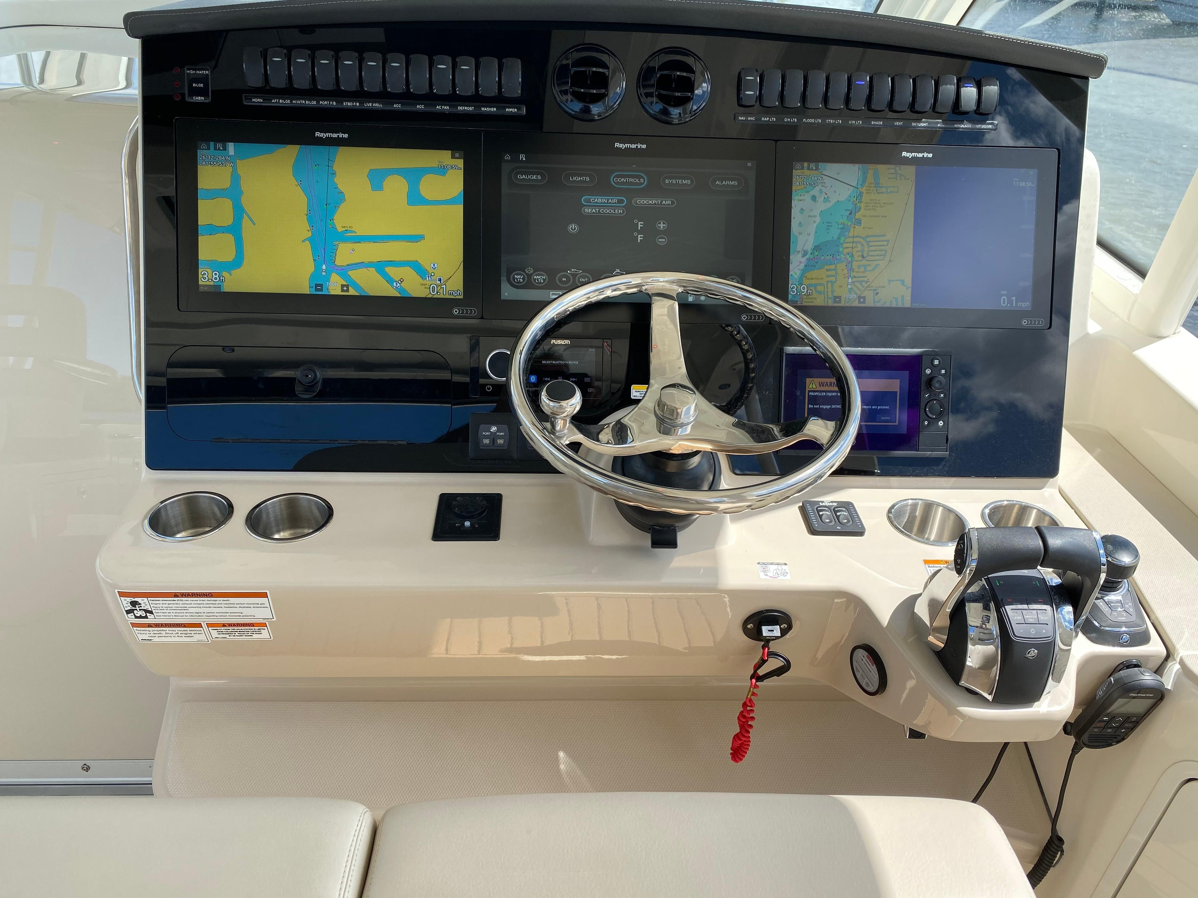2020 Boston Whaler                                                              380 Realm Image Thumbnail #29
