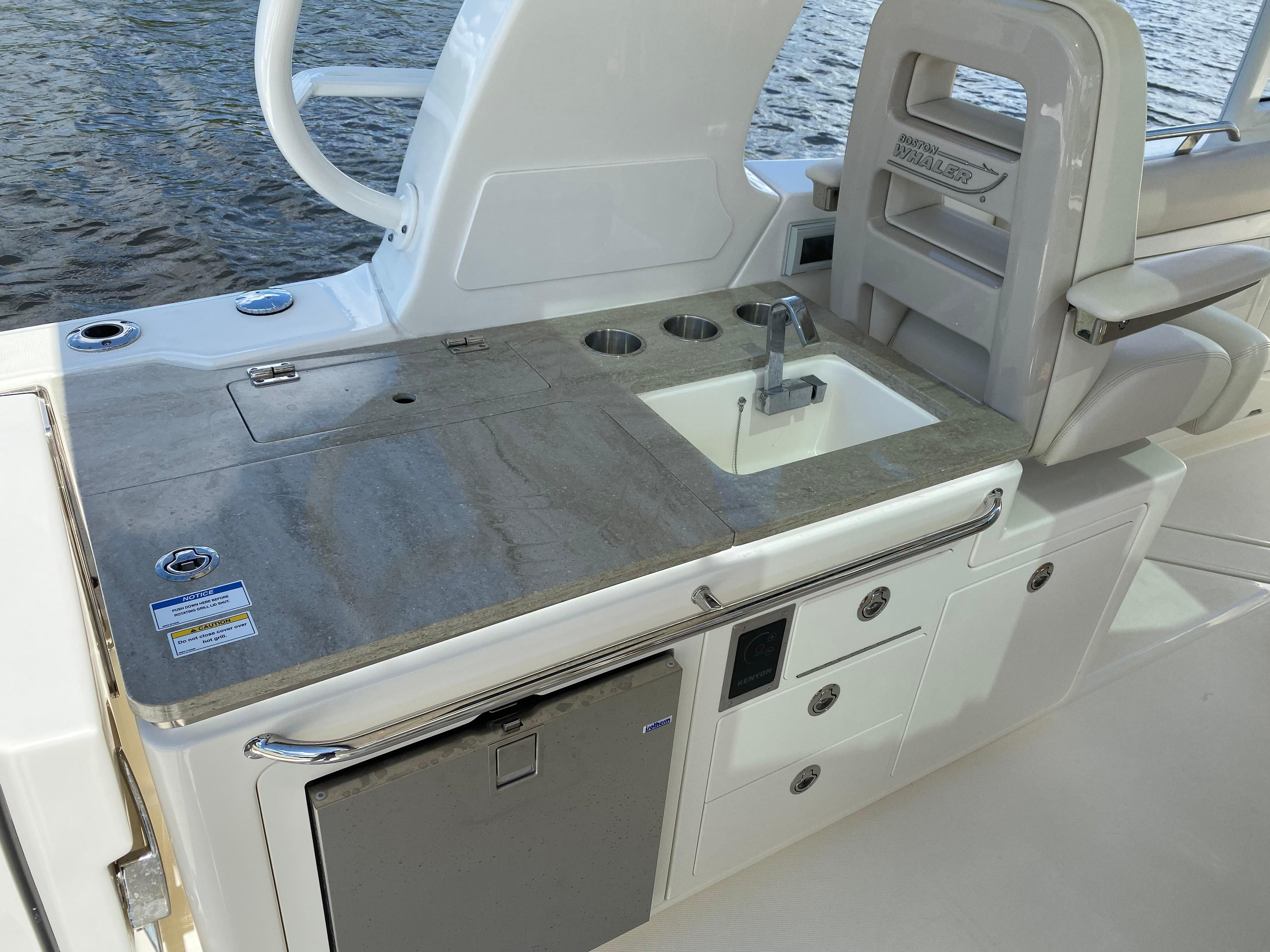 2020 Boston Whaler                                                              380 Realm Image Thumbnail #43