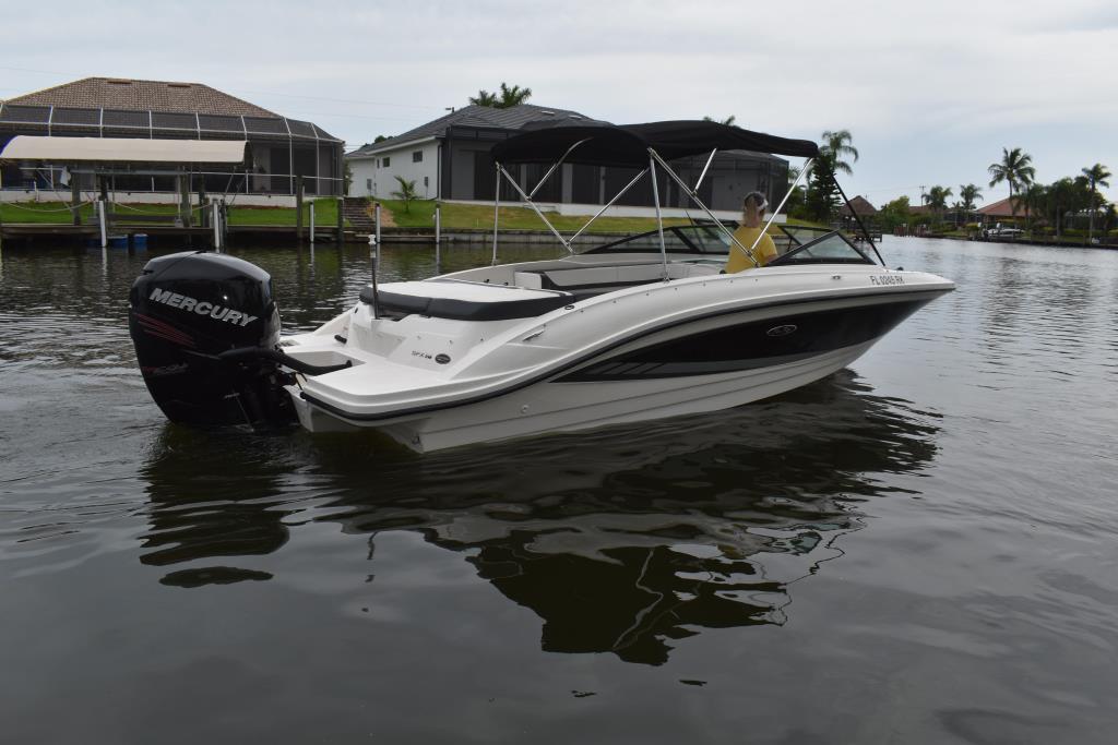2017 Sea Ray                                                              21 SPX Outboard Image Thumbnail #6