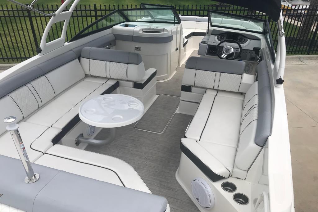 2016 Sea Ray                                                              270 Sundeck Outboard Image Thumbnail #9
