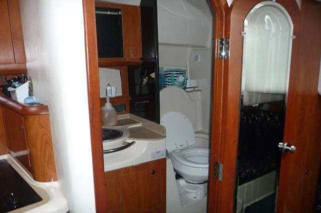 2005 Four Winns                                                              348 Vista Image Thumbnail #11